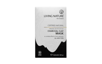 Living Nature Charcoal Clay Mask //BEAUTY